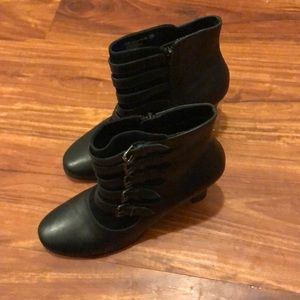 Aerosoles silver dollar leather strappy boots 8.5